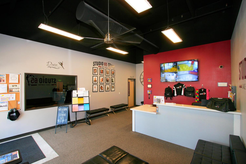 Studio 65 Lounge 03